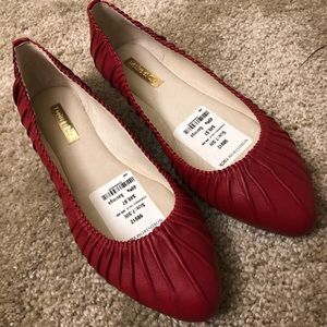 NWT Louis et Cie Flat Shoes
